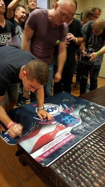 Giuseppe Ottaviani & Solarstone signing the Banner